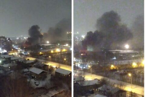 13-й трамвай загорелся в депо Новосибирска— над городом поднялся столб черного дыма