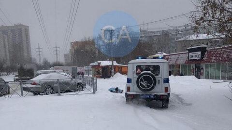 На улице Новосибирска внезапно скончалось двое мужчин