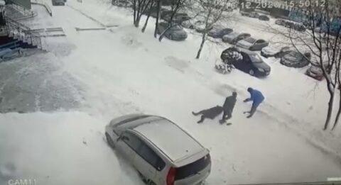 В Новосибирской области двое мужчин избили своего знакомого