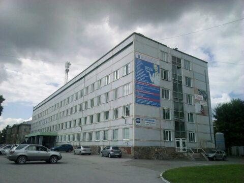 Больница Новосибирска купит два автомобиля за 2 миллиона рублей