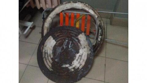 В Новосибирске задержали воришек канализационного люка