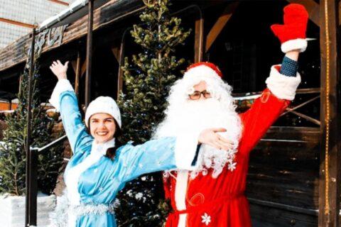 Антиковидный Дед Мороз готов поздравить детей в Новосибирске
