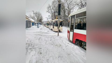 13-й трамвай попал в ДТП в Октябрьском районе Новосибирска