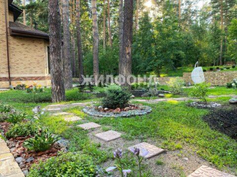 Элитный коттедж за 70 миллионов продают в Новосибирске