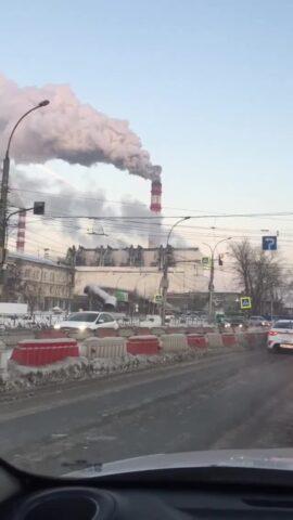 Темно-серый дым из труб ТЭЦ объяснили в СГК