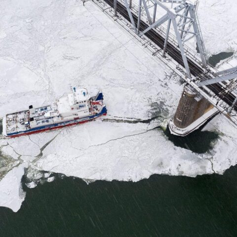 Новосибирский фотограф снял четвертый мост с высоты - показываем потрясающие кадры