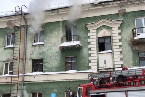 Пожар на Народной в Новосибирске — погиб мужчина