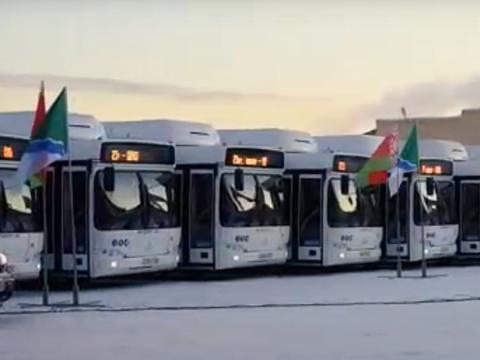 Новыми автобусами похвастался мэр Новосибирска