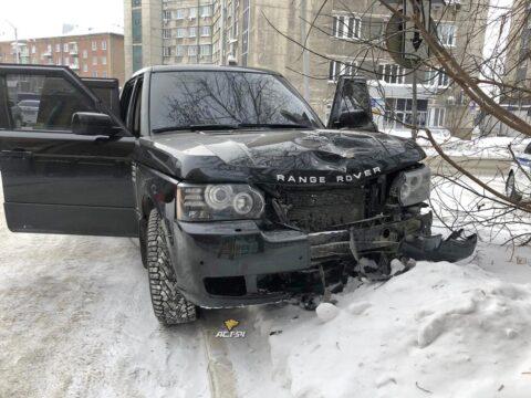 Насмерть сбившего женщину водителя Range Rover отправили в СИЗО на два месяца