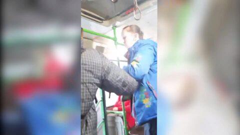 Мать набросилась на кондуктора, которая выставила ребенка из автобуса