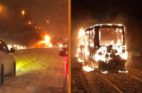 На Горбатом мосту в Новосибирске полностью выгорел трамвай