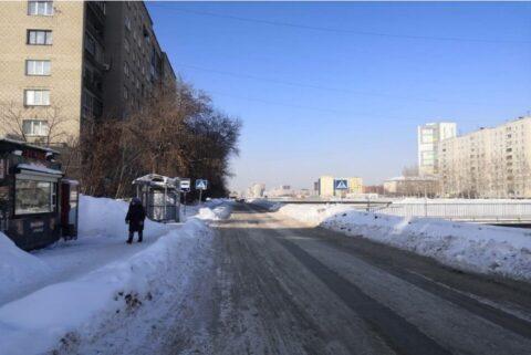 Новосибирский водитель сбил женщину и скрылся