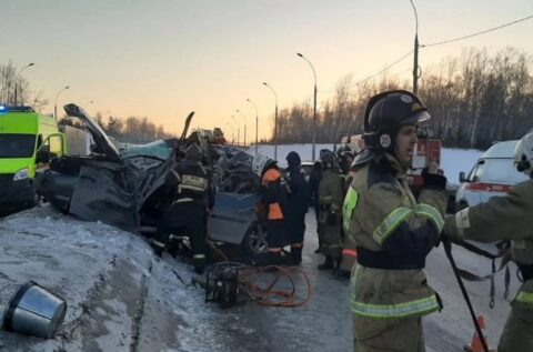 В аварии на Бугринском мосту в Новосибирске погиб человек