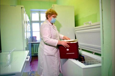 Прививку от коронавируса в Новосибирске можно сделать на дому