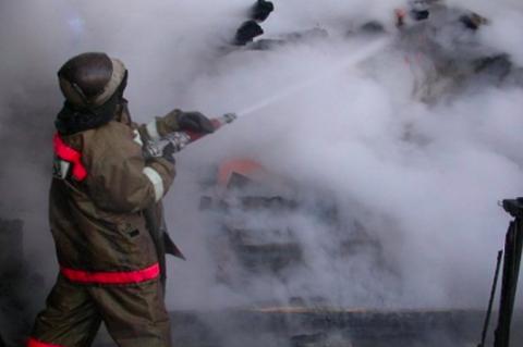 Из горящей девятиэтажки в Новосибирске эвакуировали 9 человек