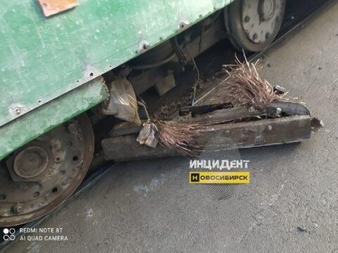 В Ленинском районе Новосибирска у трамвая отвалились тормоза