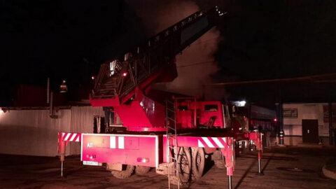 Пожар в павильоне кафе произошел в Кировском районе Новосибирска