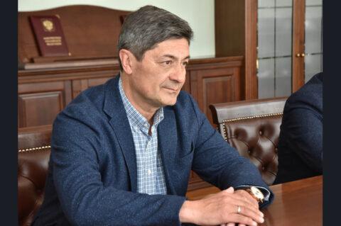 Губернатор Новосибирского региона встретился с новым тренером хоккейной «Сибири»