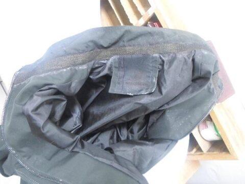 В Новосибирске арестованному пытались передать куртку, пропитанную наркотиком