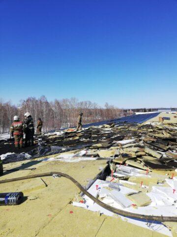 В Первомайском районе Новосибирска загорелся склад