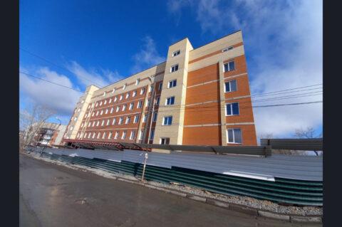 Поликлиника в Заельцовском районе Новосибирска строится с опережением графика