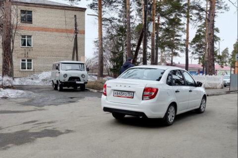 Районные больницы Новосибирской области получили 17 новых авто
