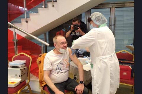 В Новосибирске от коронавируса вакцинировались сотрудники филармонии