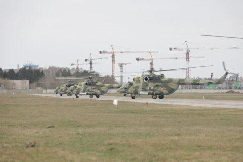 Над площадью Ленина в Новосибирске прошла первая тренировка полетов авиации