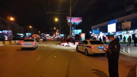 Ночью на Красном проспекте в Новосибирске произошла смертельная авария