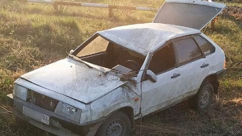 Автомобиль слетел в кювет под Новосибирском