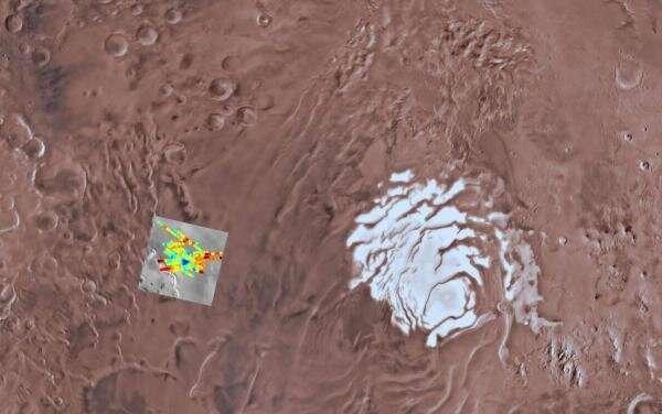 Исследование проливает новый свет на состав у основания южной полярной шапки Марса