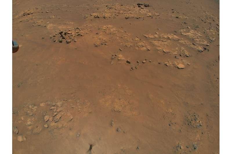 Вертолет НАСА на Марсе обнаружил интригующую местность для команды марсоходов